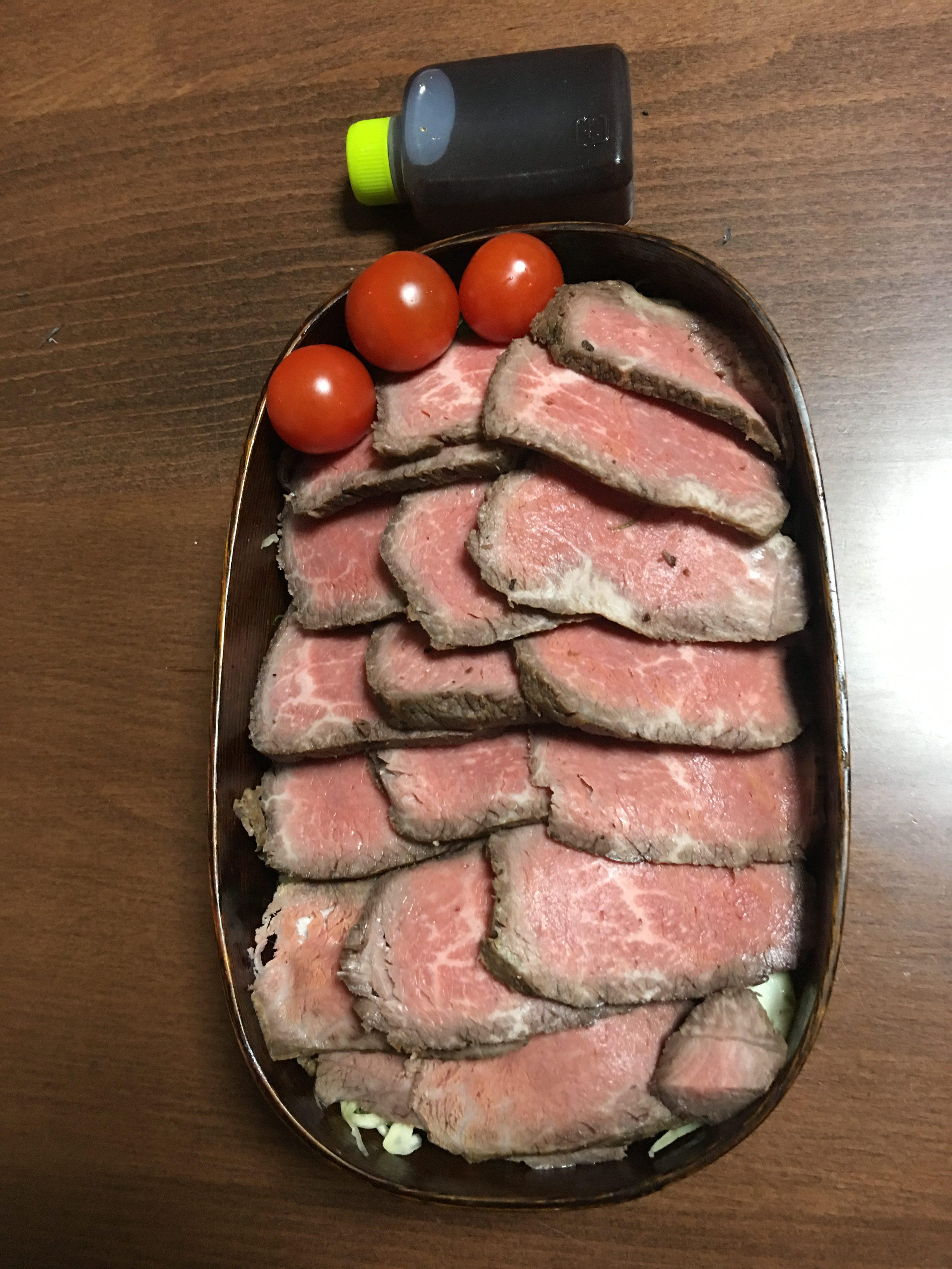 ローストビーフ丼/豊島ひろ子